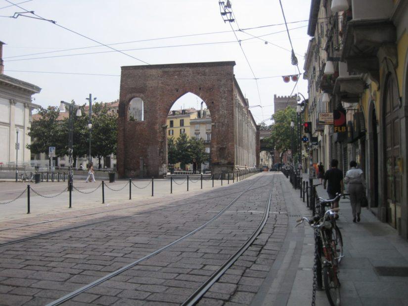 Les rails du tramway de Milan