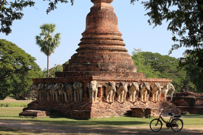 Wat Sorasak chedi