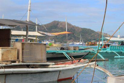 Island hopping Coron