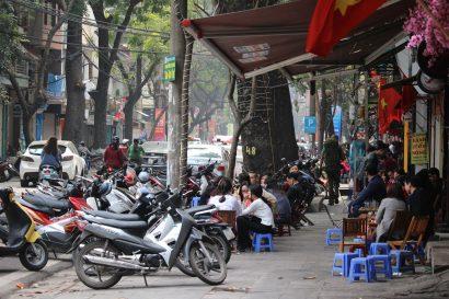 Hanoi standing streets