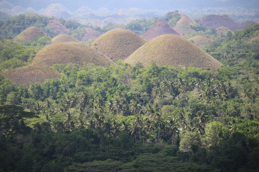 Chocolate Hills voyager aux Philippines