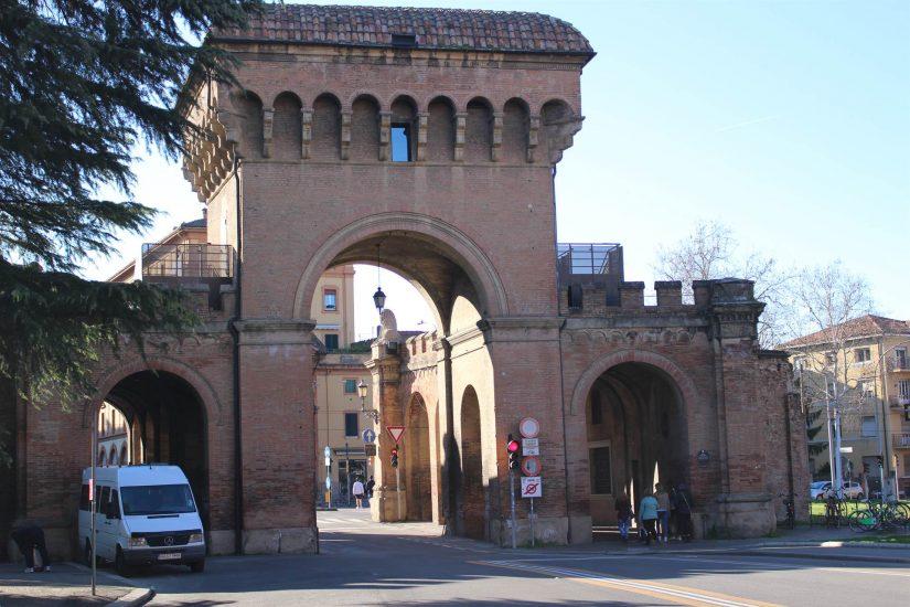 Portes de Bologne
