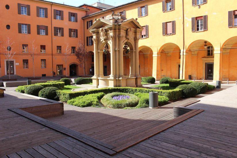 Places de Bologne
