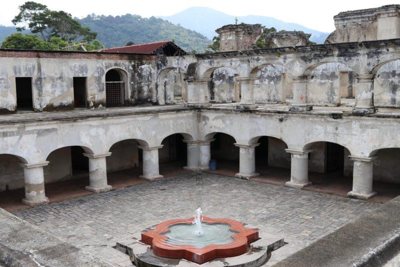 Iglesia Santa Teresa Couvents d'Antigua