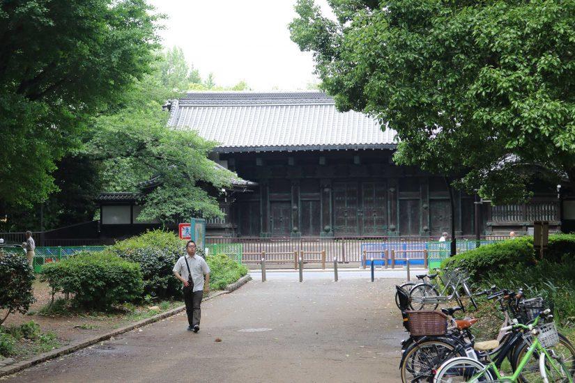 En plus de ces trois temples cités, il existe plus haut dans le parc d'autres temples ou sanctuaires de moindre importance.