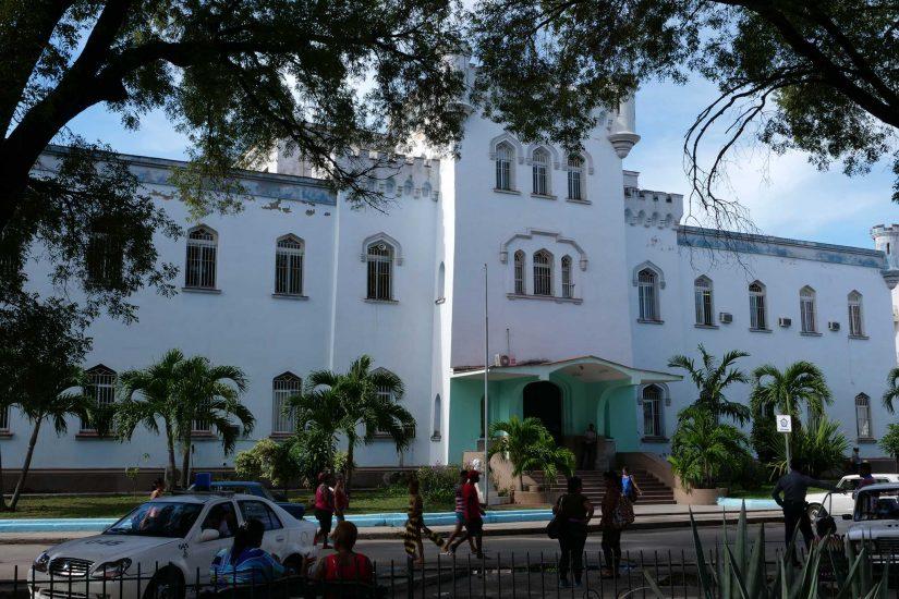 Centro Habana streets El Barrio Chino