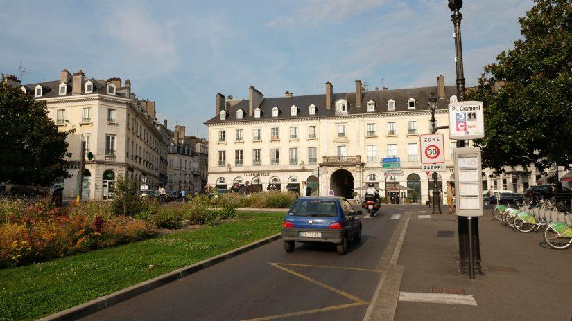 Pau - Place Gramont