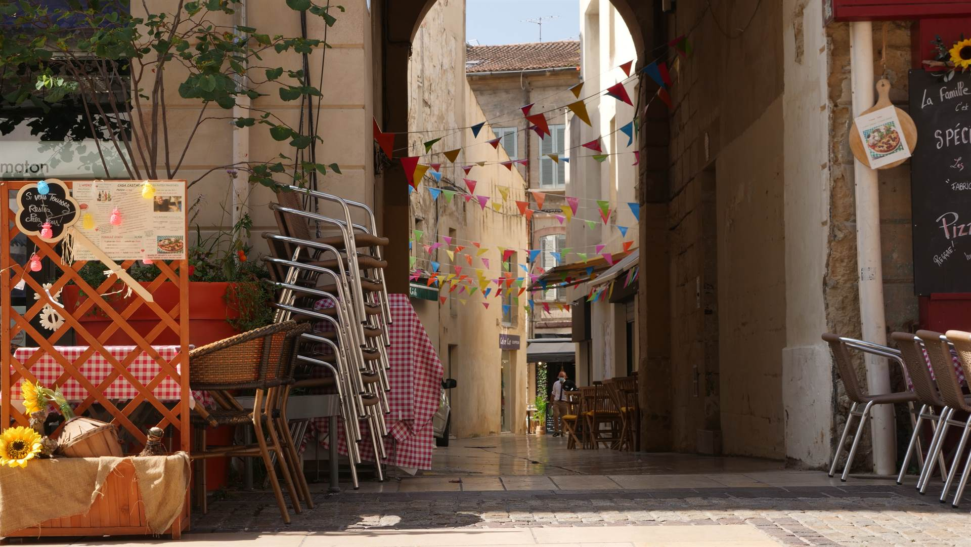 rues commercantes Avignon