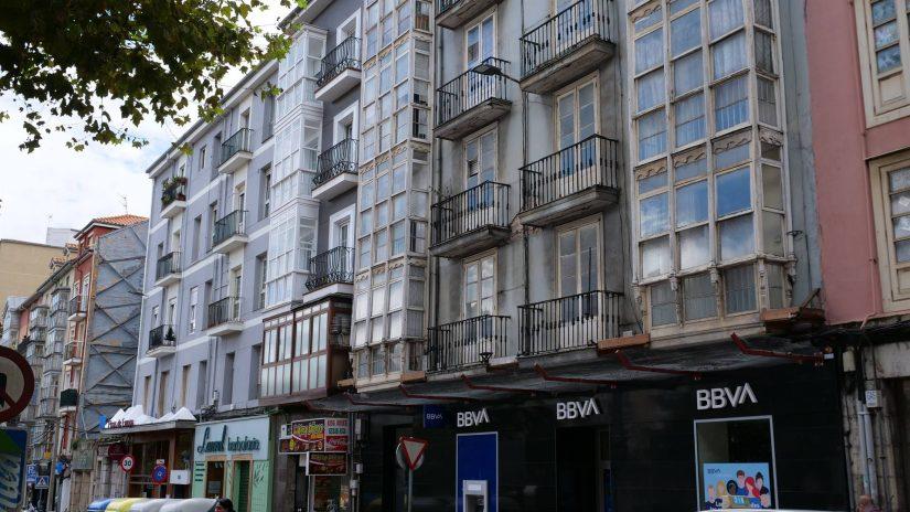 ruelles et façades de Santander
